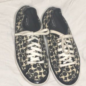 Coach Etta Sneakers in black and white